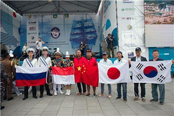 The perticipants from Japan, Indonesia, the Republic of Korea, as well as from People's Republic of China